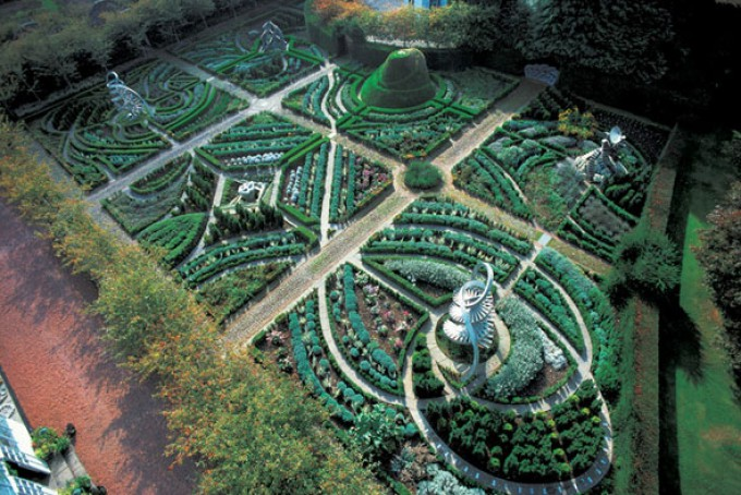 The Garden of Cosmic Speculation – Earthed